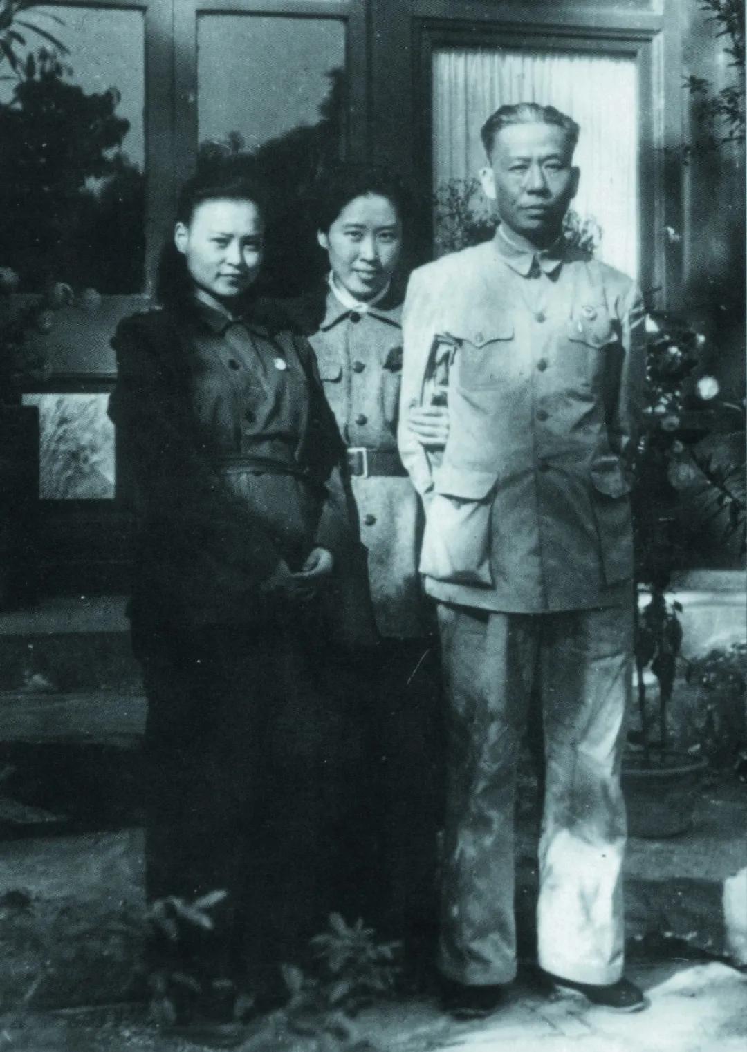红心伟业沉痛悼念刘少奇同志长女刘爱琴